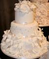 3t-blossom-lily-cake